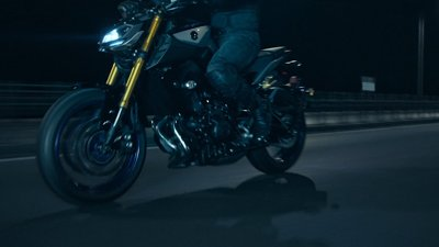 True-motion-pictures-film-production-company-berlin-germany-advertising-commercial-for-yamaha-D I • A L